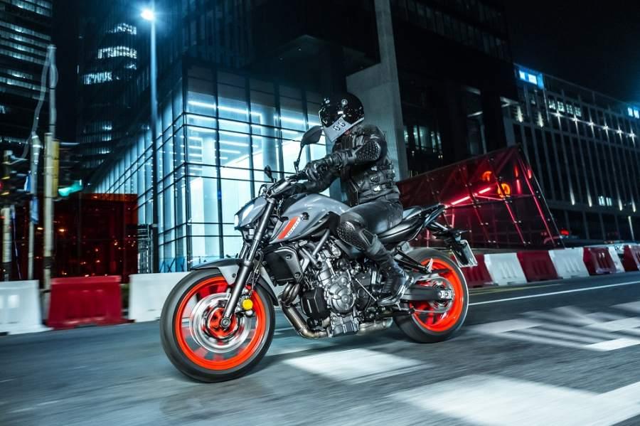 2021 Yamaha MT-07 riding  (4).jpg