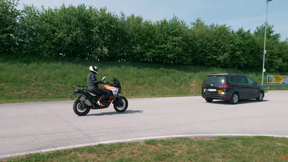 ktm-adaptive-cruise-blind-spot-2.jpeg