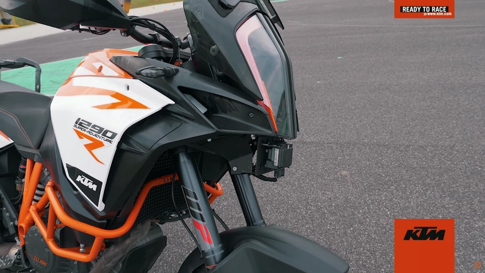 ktm-adaptive-cruise-blind-spot-8.jpeg