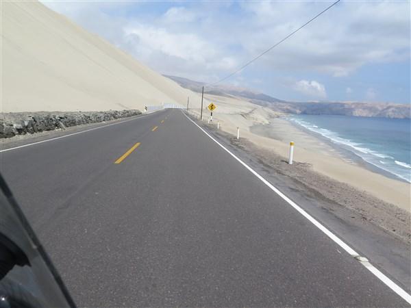Peru Desert 1 (600 x 450).jpg