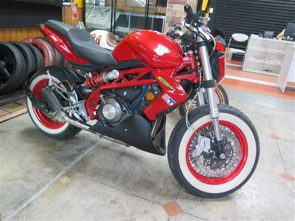 TNT 300 Street Fighter Custom (600 x 450).jpg