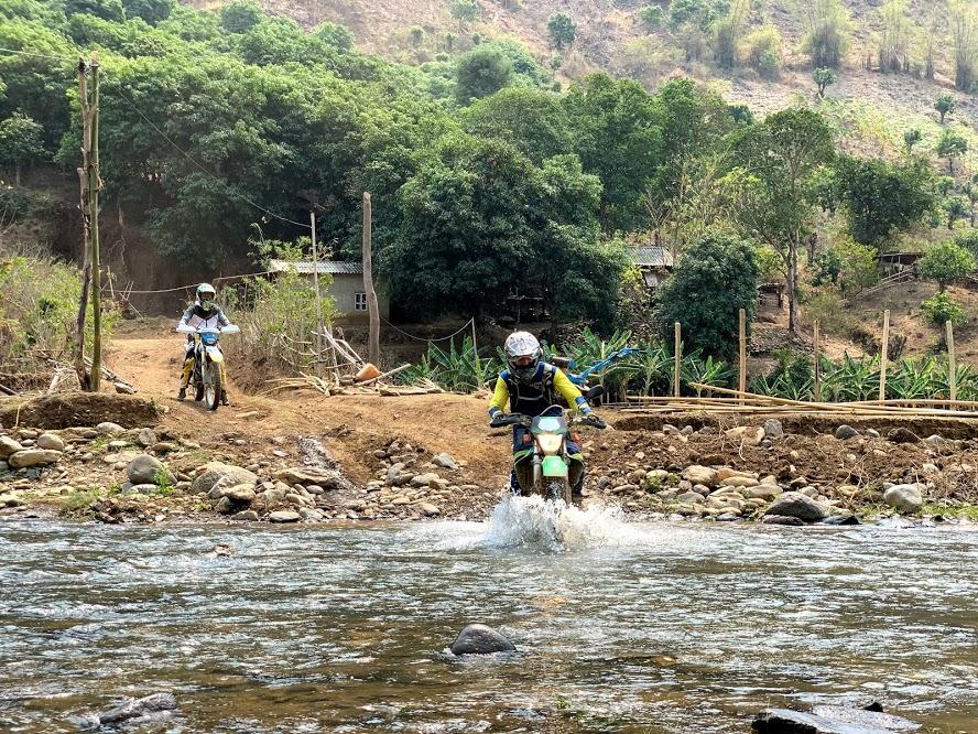 vietnam-motorbike-tours-club-5.jpg