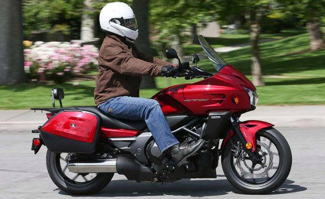 Honda-CTX700-0710.jpg