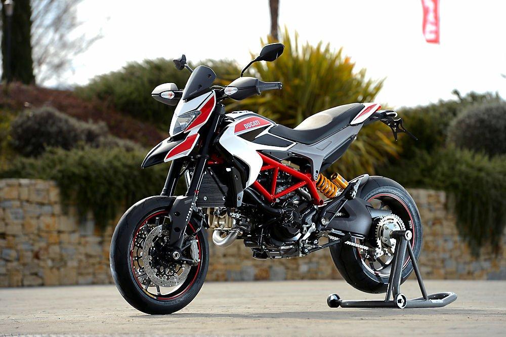 04_-HYPERMOTARD_SP_Ducati_Performance.jpg