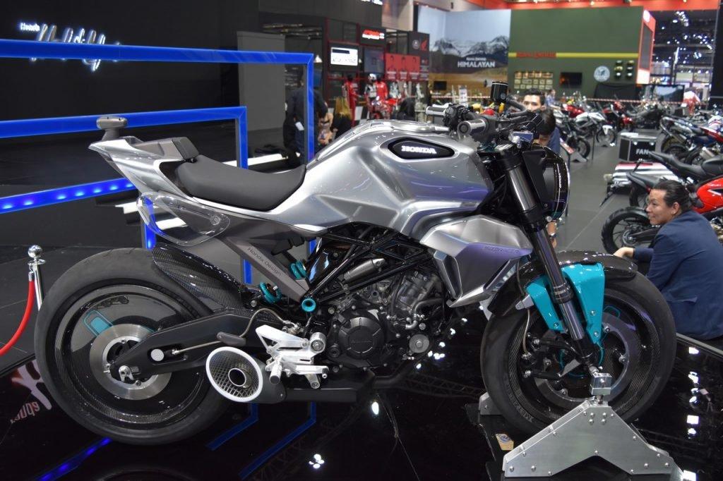 Honda-150-SS-Racer-at-BIMS-2017-side-1024x682.jpg